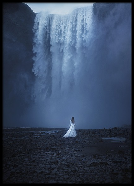 Woman by the Waterfall Affiche dans le groupe Affiches / Formats / 50x70cm chez Desenio AB (10978)
