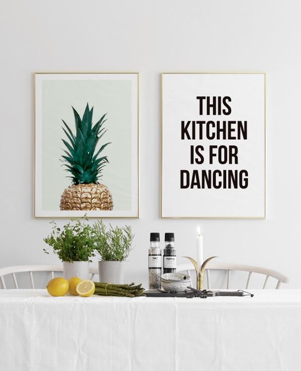 Trendig Poster Med Guldig Ananas